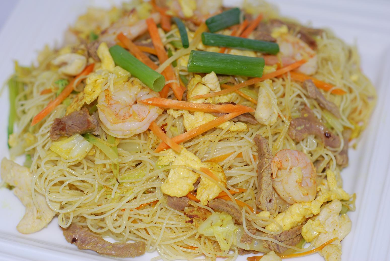 H4. Chicken Chow Mei Fun